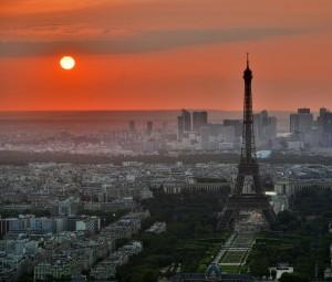 Západu slunce s výhledem Paříž neodolá žádná romantická duše